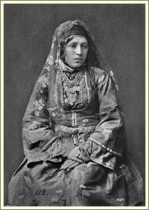 Еврейка. Ахалцих. Грузия.  Евреи. Фотограф Д.А. Никитин. 1881 г.
